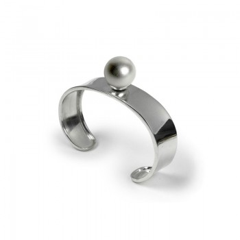 Chiming ball bangle